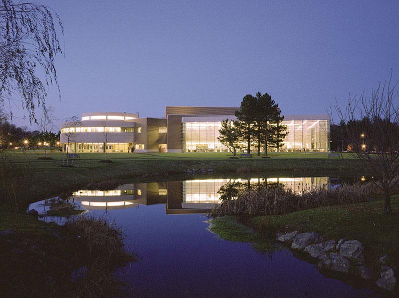 Bryant University Gwathmey Siegel Kaufman